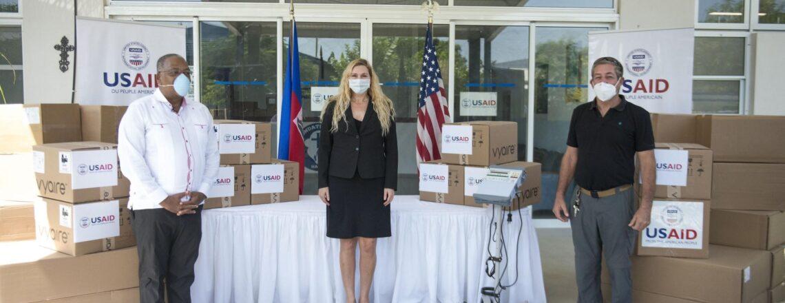 Les États-Unis remettent 37 respirateurs au Gouvernement Haïtien pour répondre au COVID-19