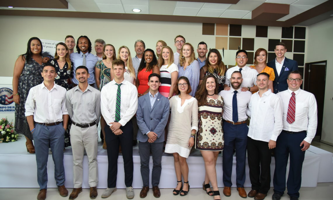 Ambassador Kevin Whitaker welcomes 25 new Peace Corps volunteers