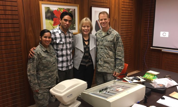 Guardia Nacional de Texas participan en operativo médico de la FACH en Isla de Pascua