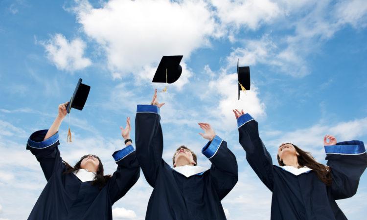 Número de chilenos estudiando en EE.UU. aumentó en 6,2% en un año