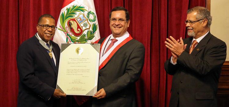 Medalla de Honor por los 60 años de la Comisión Fulbright