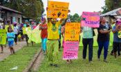 Miembros de FADCANIC marchan contra la violencia en Bluefields