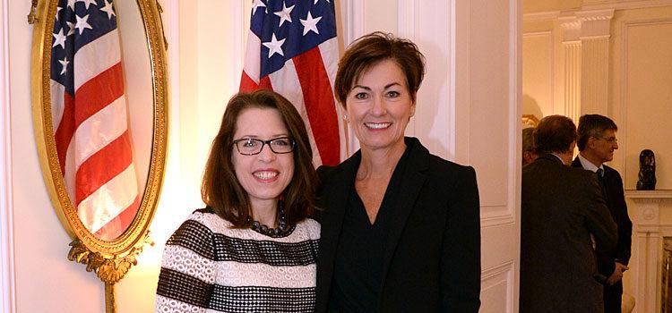 Embajadora de Estados Unidos, Kelly Keiderling con Vicegobernadora del Estado de Iowa, Kim Reynolds. [U.S. Embassy Photo: Pablo Castro]