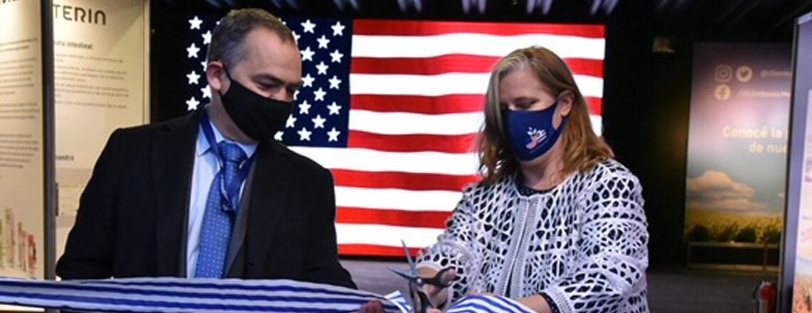 Jennifer Savage inauguró el Pabellón de Estados Unidos en la Expo Prado 2021