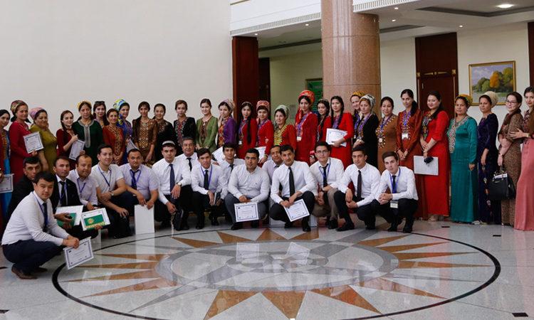 Групповая фотография с участниками семинара
