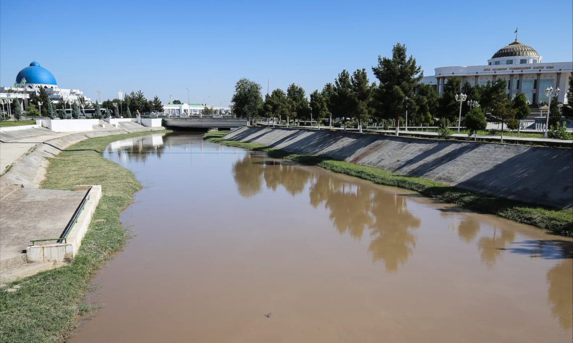 The Murgab River's water diverted through a canal in the city of Mary, Turkmenistan (Photo: Petro Kotzé)