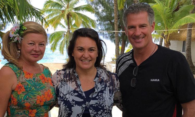Gail Brown and Ambassador Brown with Jacqui Evans. Photo credit: Jacqui Evans.