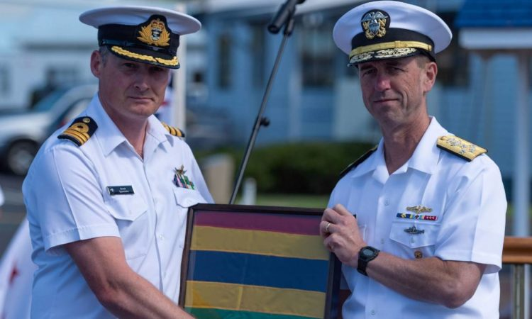 Commanding Officer of HMNZS Te Kaha Commander Brock Symmons with United States chief of naval operations Admiral John Richardson.