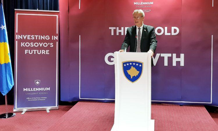 Ambassador Delawie at MCC Kosovo signing