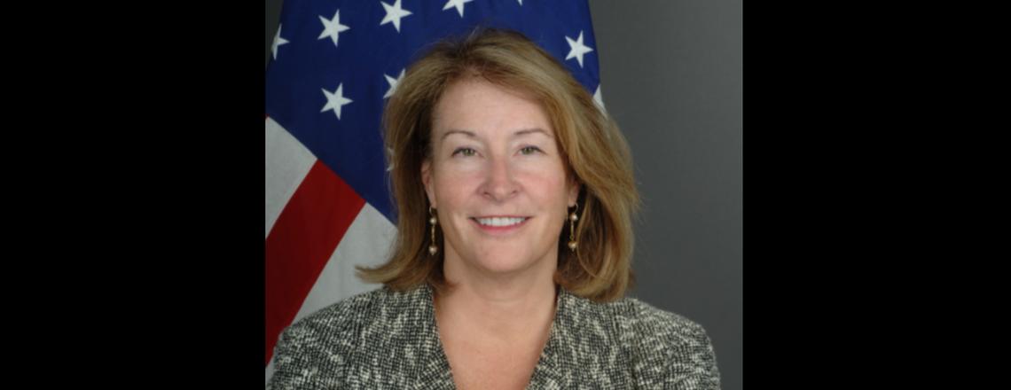 القائم بالأعمال السفيرة جريتا سي هولتز