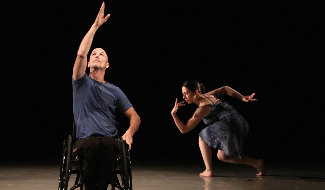 "Дуэйн Шейнеман и Мэрион Балдеон (REVolutions Dance, США) на сцене театра ""Щелкунчик"", г. Екатеринбург"