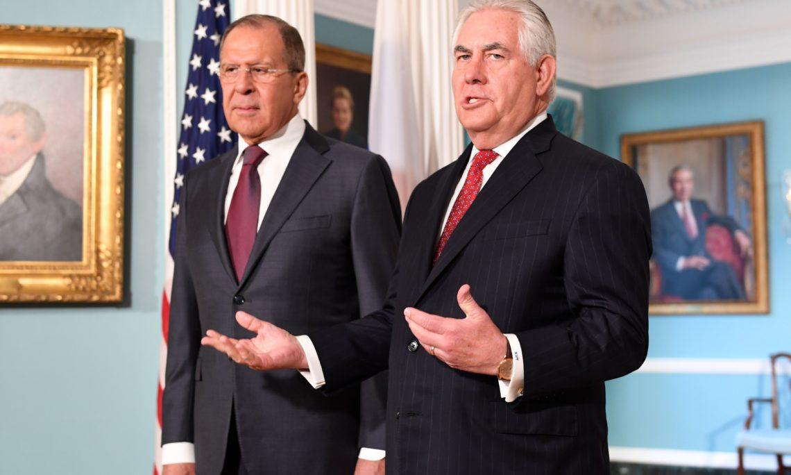 285b6dfba6e Госсекретарь США Рекс Тиллерсон и министр иностранных дел РФ Сергей Лавров.  Выход к прессе перед