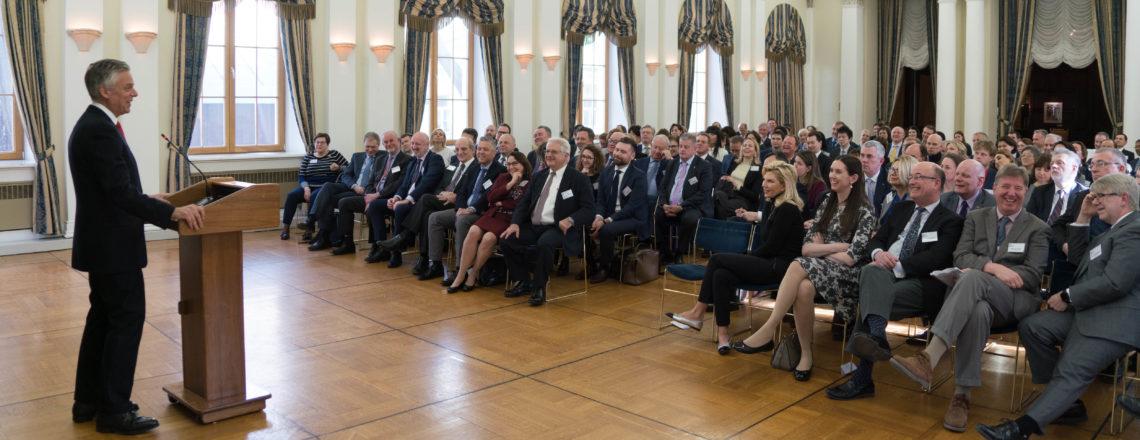 Посол Хантсман встретился с членами Американской торговой палаты