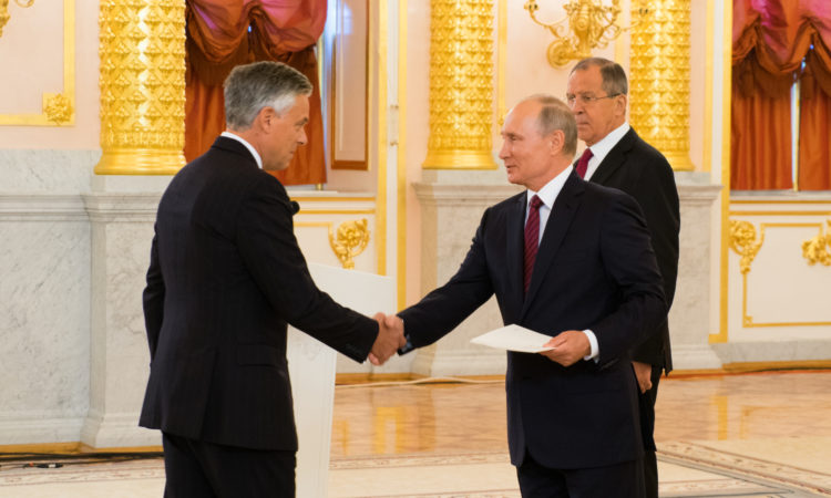 U.S. Ambassador to Russia Jon M. Huntsman, Jr. presents credentials to President Putin