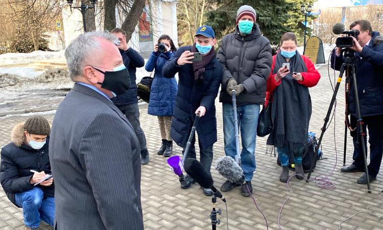 Ответы посла США в РФ Джона Салливана на вопросы журналистов по окончании заседания Мосгорсуда по апелляции по делу гражданина США Тревора Рида