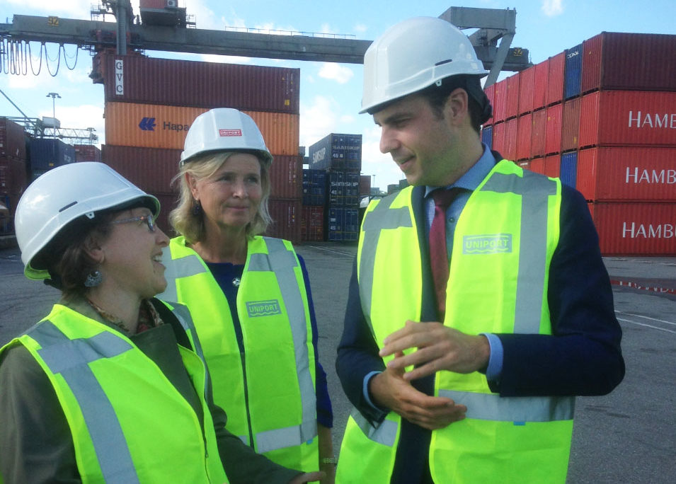 U.S. Agriculture Attaché Susan Phillips, MEP Annie Schreijer-Pierik, and Minister of Agriculture Martijn van Dam celebrate the opening of the U.S. market for Dutch veal at the Port of Rotterdam.