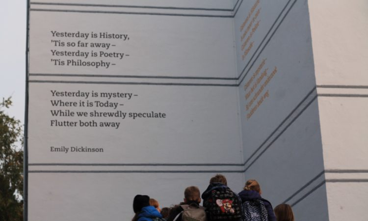 Poem of Emily Dickinson unveiled on a wall of the HSV International Primary School in The Hague.