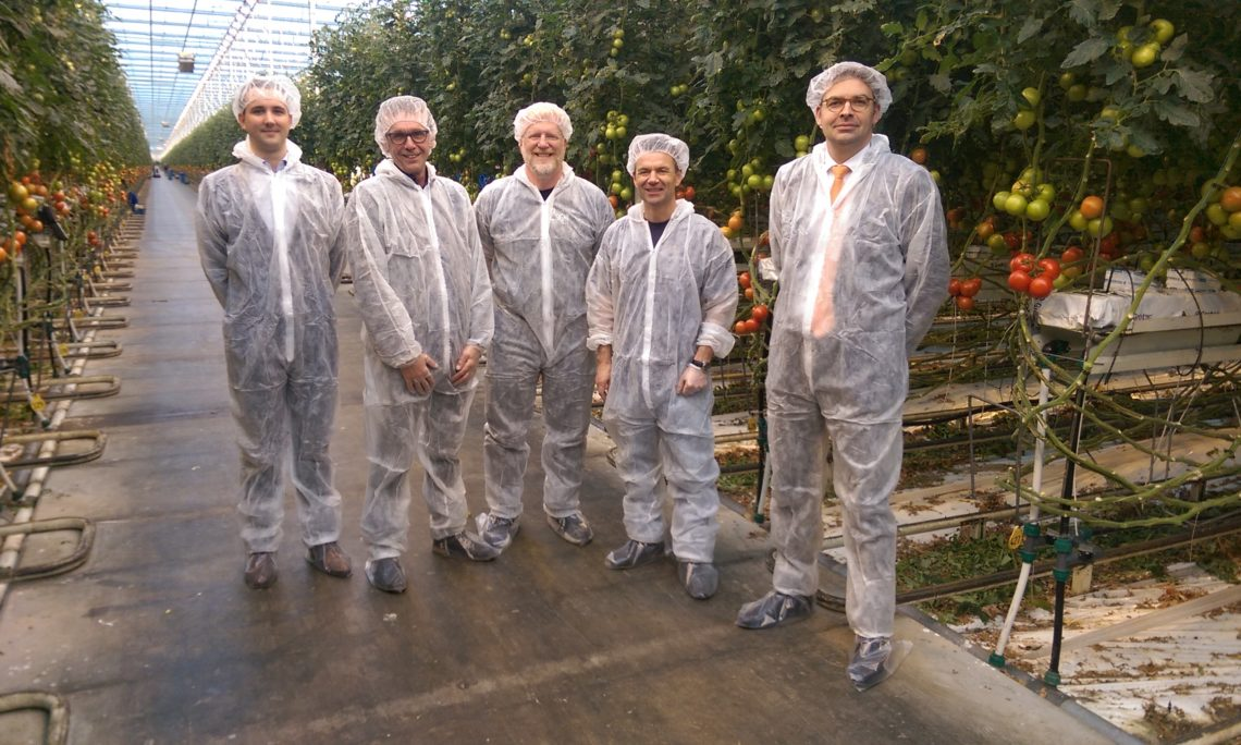 Visit to Dutch tomato grower CombiVliet. Alec Boydston (U.S. Embassy), Erik Helderman (Harvest House), Kevin Oldenburg (2nd Sight BioScience), Robèrt Lasschuyt (CombiVliet), Marcel Pinckaers (U.S. Embassy)