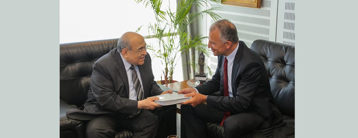 Ambassador Jonathan R. Cohen visits Bibliotheca Alexandria