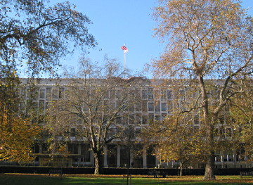 The front face of the former U.S. Embassy in London, viewed from Grosvenor Square looking West.