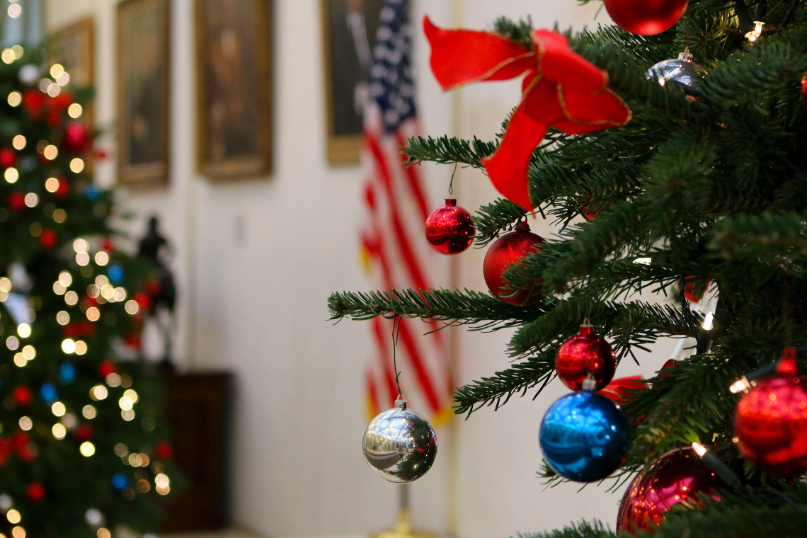 Holiday Christmas.Americans Celebrate Christmas With Many Traditions U S