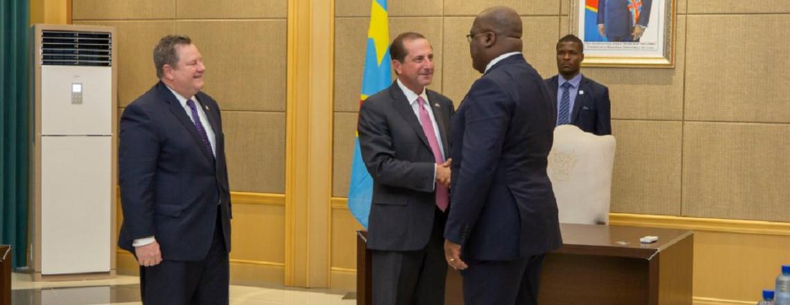 La visite du secrétaire Azar démontre l'engagement des E-U à aider à bâtir un Congo en mei