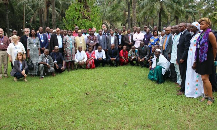 Formation des praticiens de l'Afrique de l'Ouest sur la gestion de la légionnaire d'automne