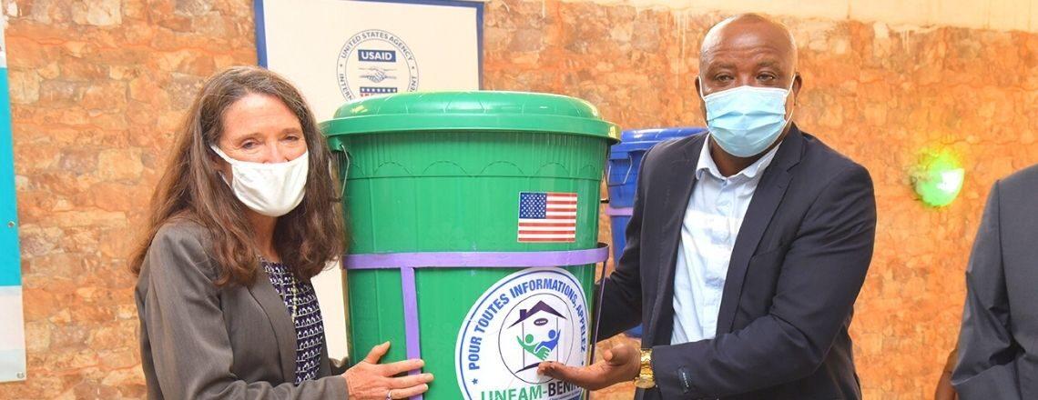 Les Entrepreneurs Béninois Préviennent la COVID-19 avec le Soutien des États-Unis