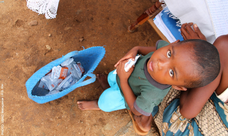 The U.S. Government, through the World Food Programme, is providing children with moderate acute malnutrition with Ready-to-Use Supplementary Food (RUSF), a high-calorie nutritional product packed with vitamins and minerals, made locally in Madagascar.