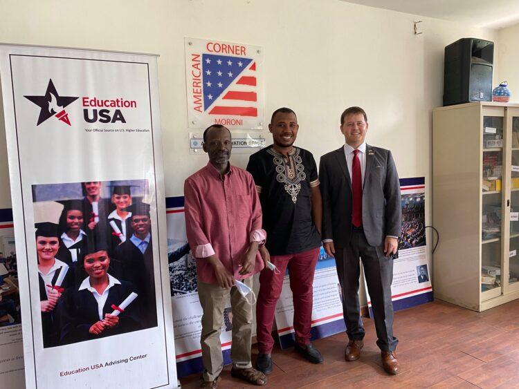 Deputy Political/Economic Section Chief, Joe Narus Visited Comoros