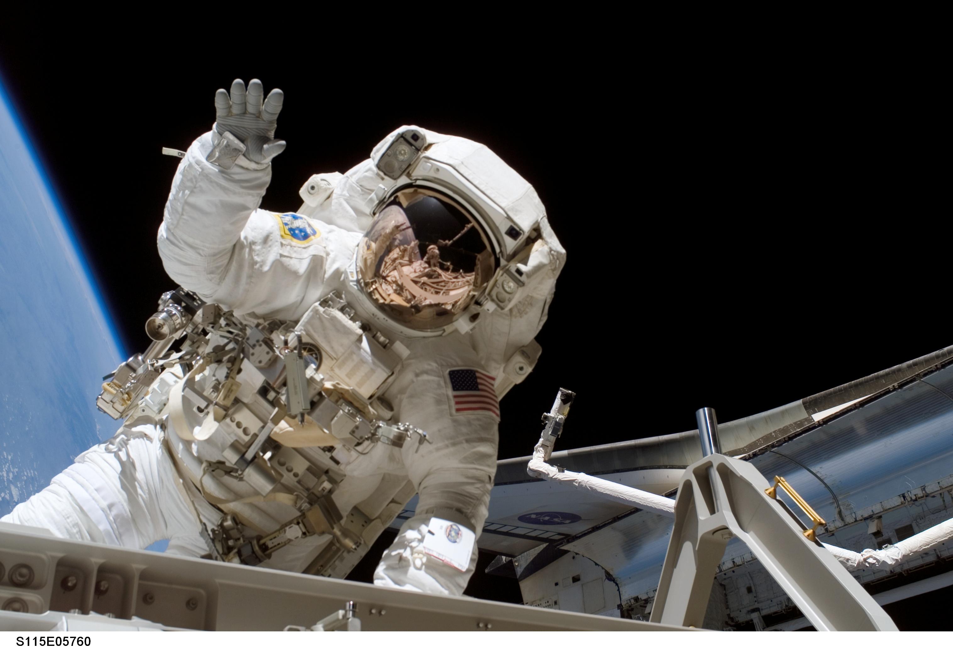 nasa space walk - HD3032×2064