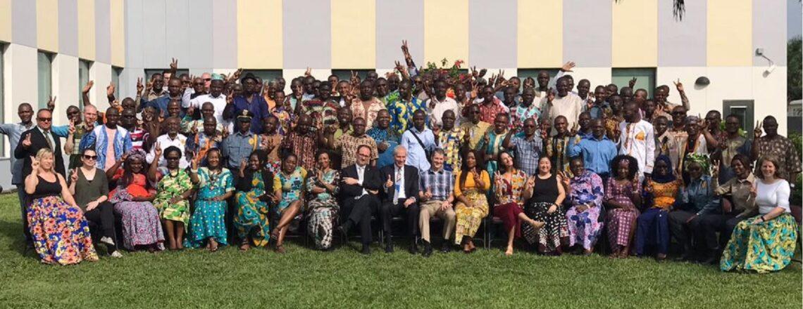 Une photo de groupe du personnel de l'ambassade américaine à Brazzaville.