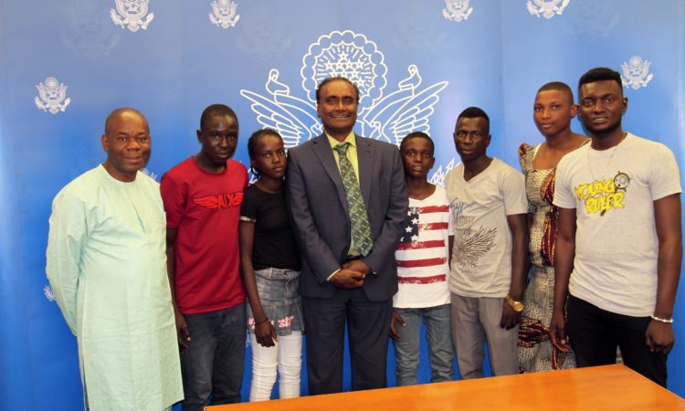 Nigerian Sports Visitors participants in a group photo with Embassy Counselor for Public Affairs, Aruna Amirthanayagam