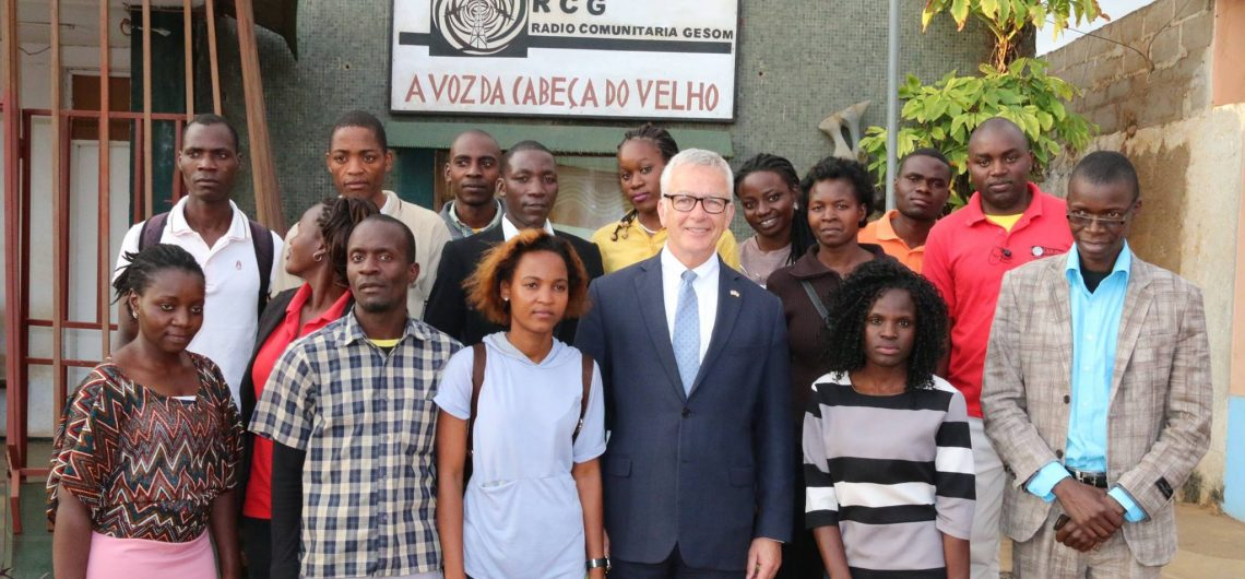 Ambassador Pittman visiting Radio Gesom