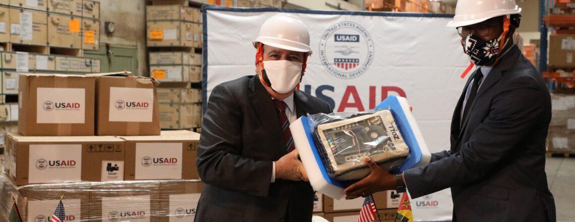 Governo dos E.U.A entrega 50 ventiladores para ajudar Moçambique a lutar contra a COVID-19