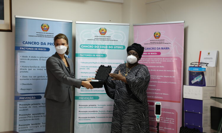 Ceremony to deliver Cervical Cancer equipment to the Government of Mozambique