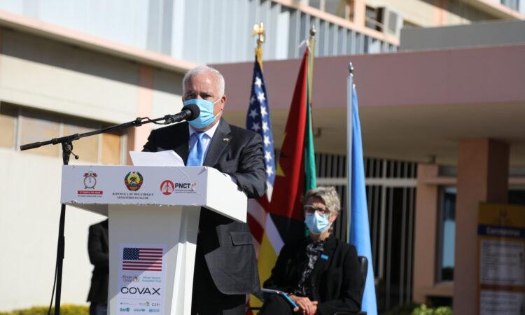 Discurso do Embaixador Hearne para a Doação de Vacinas pelo Governo dos E.U.A. para Moçambique