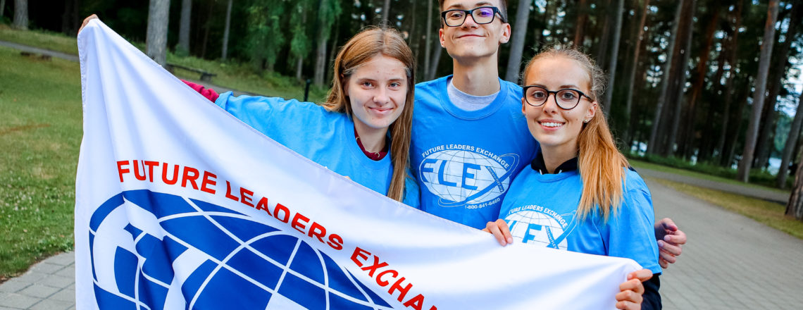 We invite high-school kids to apply for FLEX 2020-2021 program!