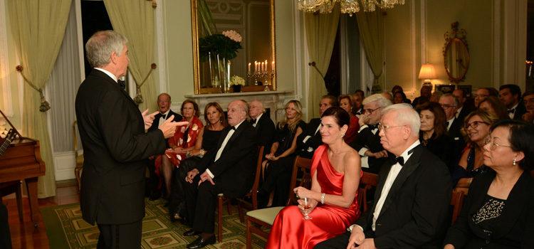 Embaixador fala aos convidados