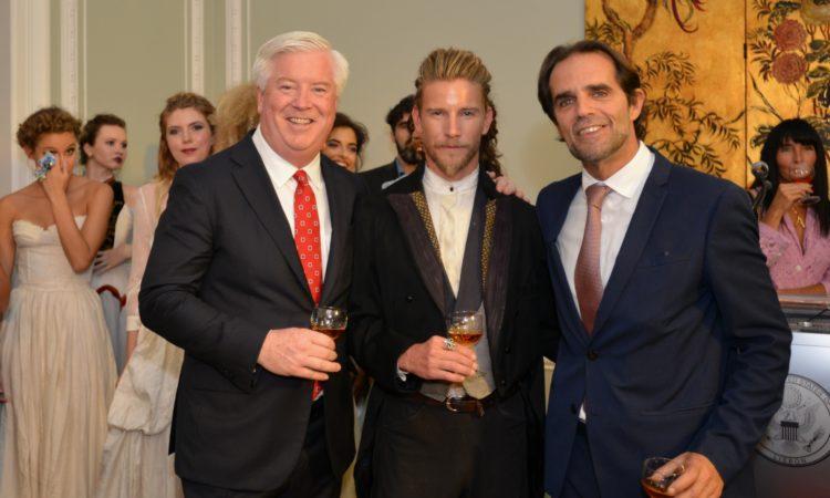 Da esquerda, Emb. Glass, Jeff Garner e Miguel de Albuquerque