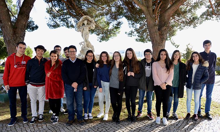 Grupo de estudantes do Fundao