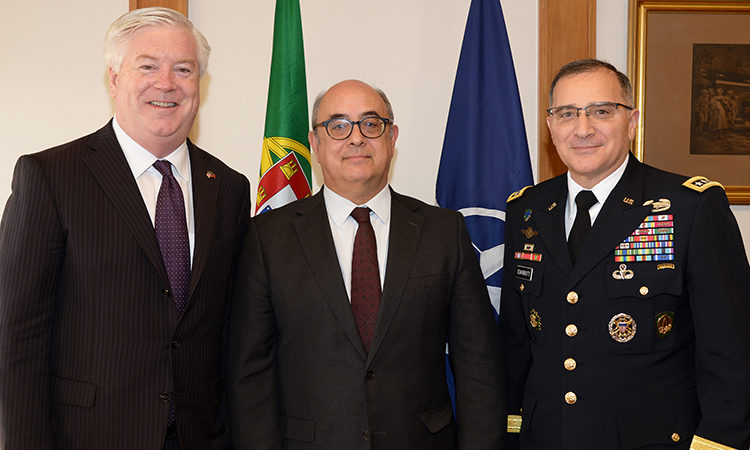 Da esquerda, Embaixador Glass, Ministro Azeredo Lopes e General Scaparrotti.