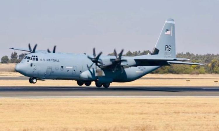 C-130 plane landing at OR Tambo International Airport (Photo Credit: Michael Combrink).