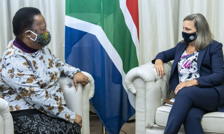 Under Secretary for Political Affairs Victoria Nuland meets with South African Minister of International Relations and Cooperation, Naledi Pandor