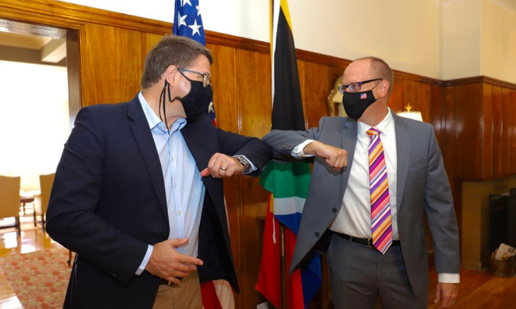 US Acting Consul General, Will Stevens and Western Cape Minister of Finance, Economic Opportunities, David Maynier at the the Trade and Investment Partnership Launch.