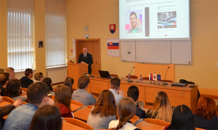 APAO Griffin Rozell Discusses Disinformation in Eastern Slovakia (Embassy photo)