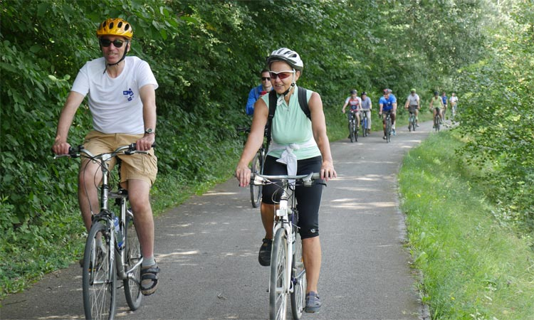 Ambassador Sterling leads the diplomatic 25K bike tour in honor of M.R. Stefanik (Embassy photo)