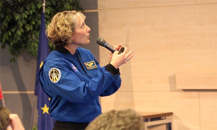Astronaut Dorothy Metcalf-Lindenburger addresses students at Bratislava's Economic University (Embassy photo).