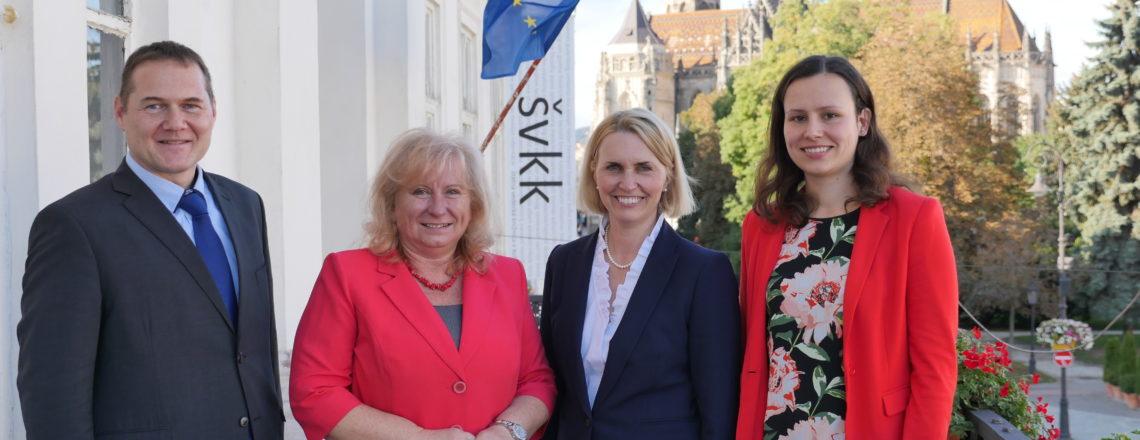 Veľvyslankyňa Bridget Brink Na Prvej Návšteve Východného Slovenska