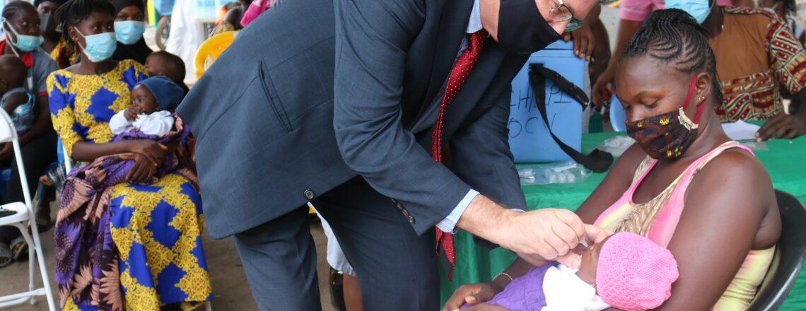 Ambassador David Reimer joined Sierra Leone's National Polio Vaccination Campaign.